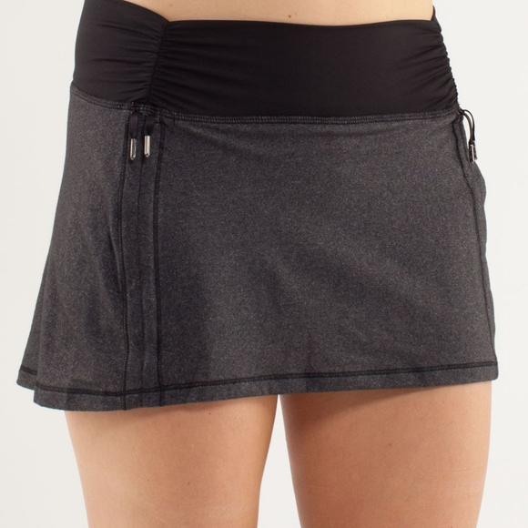 Lululemon Athletica Hot and Sweaty skirt size 8